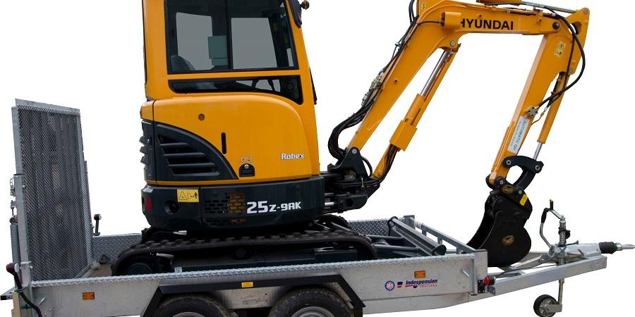The Hyundai R25z-9AK and Indespension AD 2800 Trailer Package is being launched by Selwood