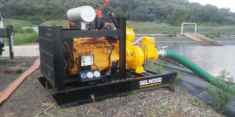 Selwood's high-performance S150M, one of the newest additions to the company's market-leading pump range, demonstrated its efficiency and versatility when it was used byIan Dickie & Co (Johannesburg) for a heavy duty application in South Africa